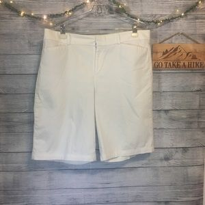Dockers Ideal Fit White Shorts Size 14